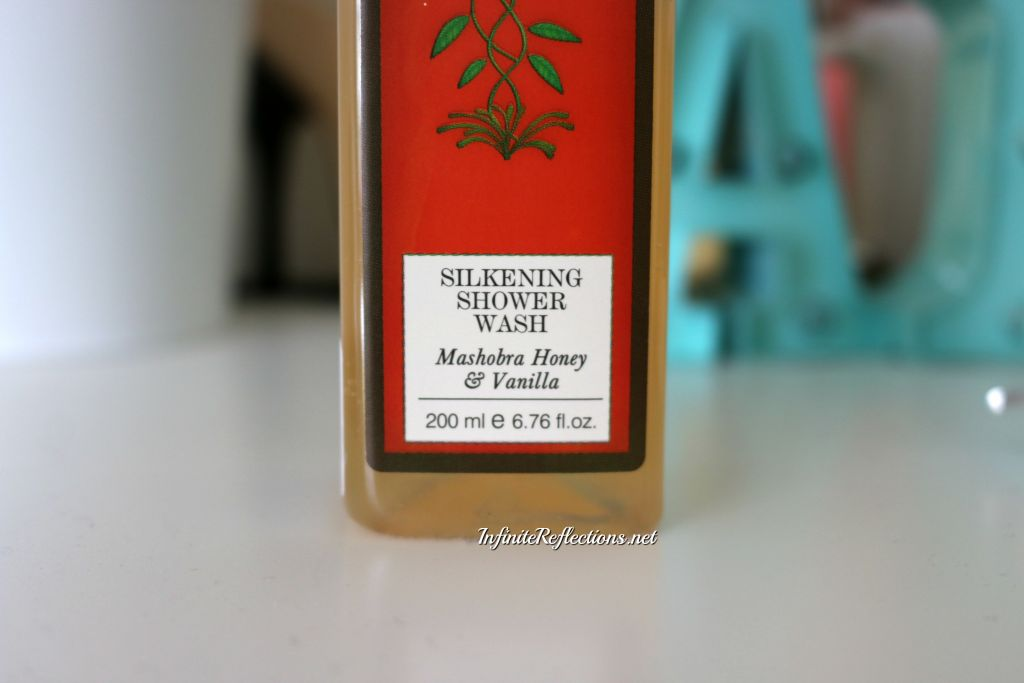 Forest Essentials Silkening Shower Wash