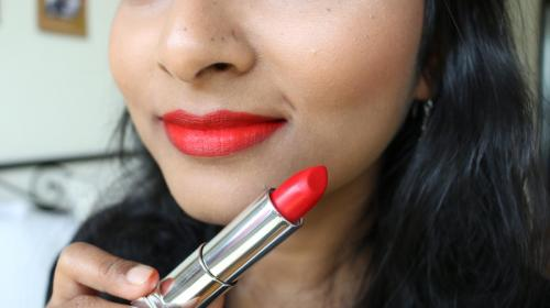Maybelline Loaded Bolds - Dynamite Red - Closeup