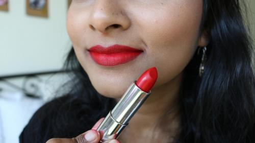 Maybelline Loaded Bolds - Smoking Red - Closeup